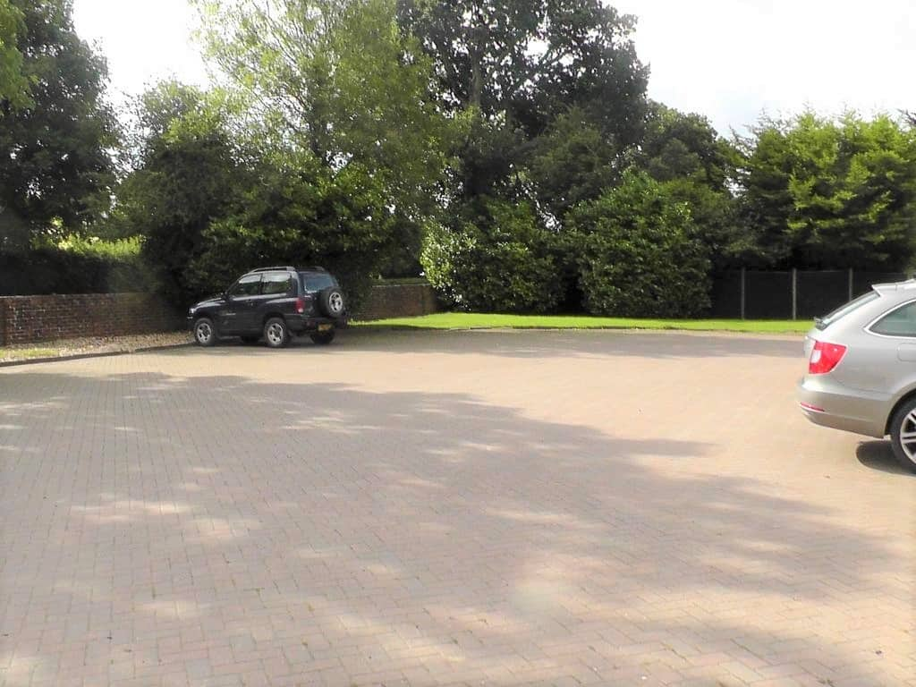 Large parking facilities at Willowbrook Bed and Breakfast in Chichester